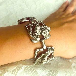 Metal leaf motif bracelet